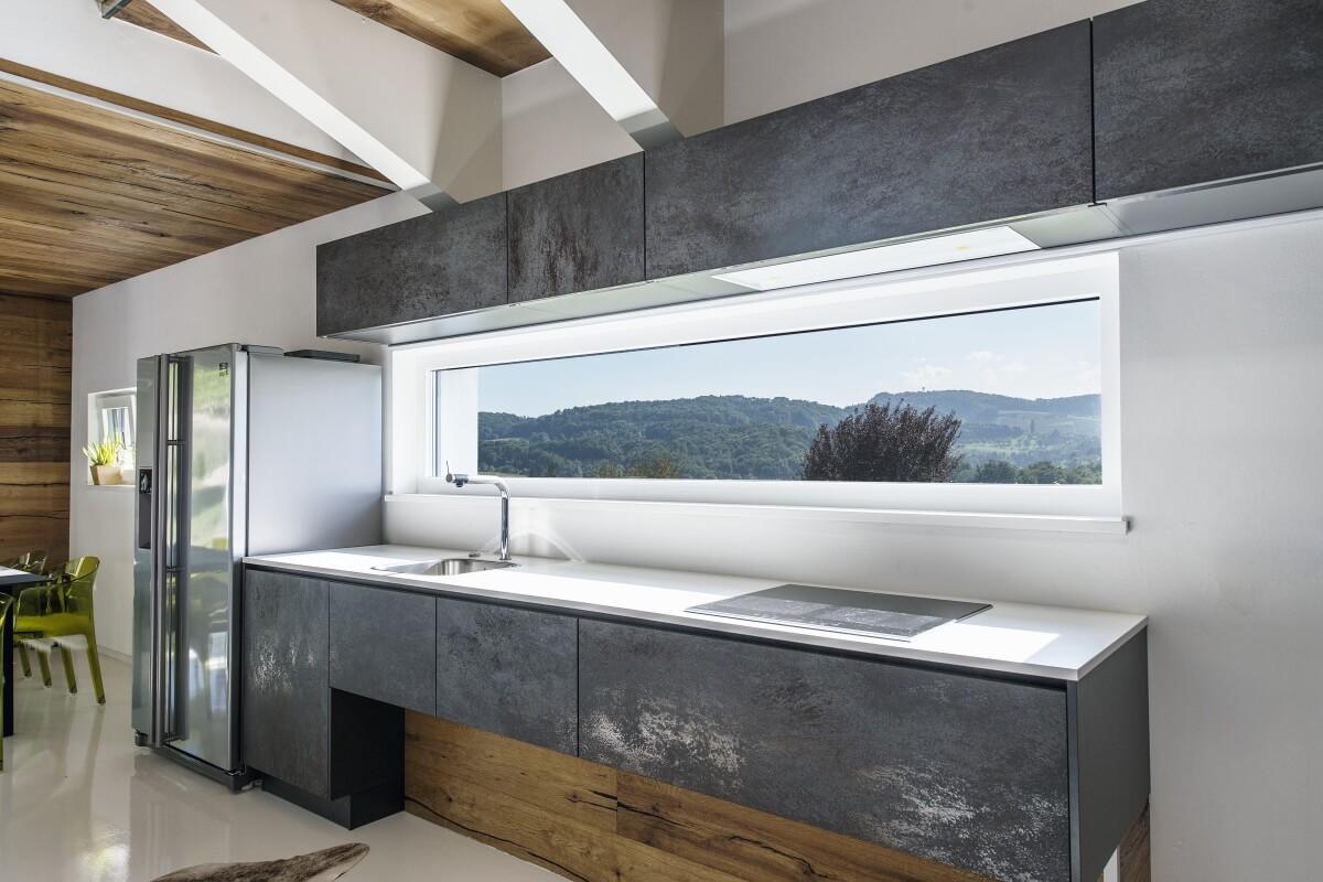 sz l hegyre tervezve internorm. Black Bedroom Furniture Sets. Home Design Ideas